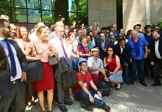 Ato público unifica advogados, magistrados, procuradores do MPT e servidores em defesa da Justiça do Trabalho